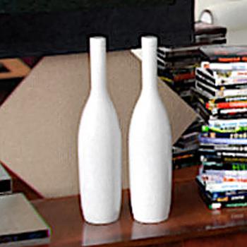 simple white vase 3D model